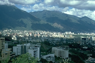 A panoramic view of Caracas, home to nearly all of Venezuela´s 16,000 to 18,000 Jews. (Larry Luxner)