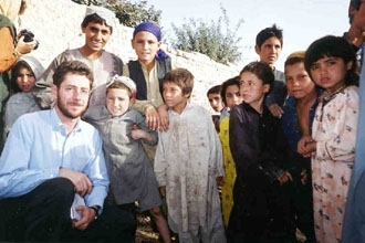 HIAS Washington representative Gideon Aronoff visits Afghani refugee children in Pakistan. (HIAS)