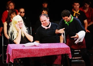 """Actors in Nalaga´at, Israel´s troupe of deaf and blind thespians, perform in """"Light Is Heard in Zig Zag."""" (Dudi Ardon)"""