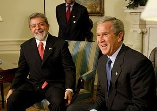 Brazilian President Luiz Inacio Lula da Silva, at left, and President Bush meet at the White House in 2003. (Paul Morse/White House)