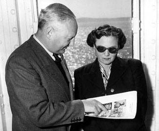 Max and Iris Stern on a ship returning to Europe in pursuit of his lost art, around 1950. (Concordia University)
