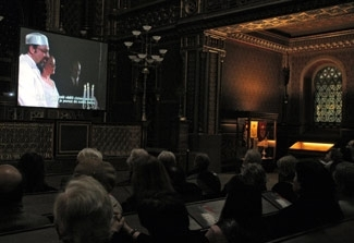 A video installation by Canadian performance artist Melissa Shiff is screened at Prague´s Spanish Synagogue in April 2006. (The Jewish Museum in Prague)