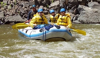 Jewish adventure-seekers brave rapids with outdoors group Steppin´ Out Adventures. (Steppin' Out Adventures)