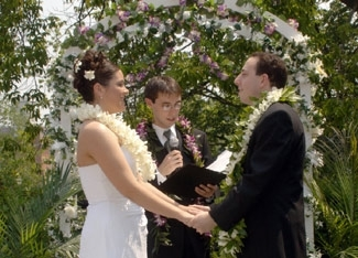 A Jewish man marries a non-Jewish woman in a secular wedding ceremony. (Photo courtesy InterfaithFamily.com)