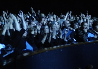 """The crowd claps their hands together at """"Hallelu Atlanta"""", a celebration of Jewish spirit and synagogue. (Harold Alan)"""