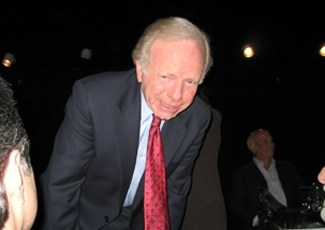 U.S. Sen. Joseph Lieberman campaigns for presidential hopeful John McCain in Boca Raton, Fla., on Jan. 17, 2008.  (Ben Harris)