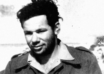 Tom Tugend in 1948, serving with the Israel Defense Forces in the Negev shortly after the founding of the state. (Courtesy of Tom Tugend)