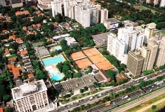 An aerial view of Sao Paulo´s Hebraica club, the main meeting place for the city´s Jewish community. (Benjamin Steiner/Hebraica-SP)