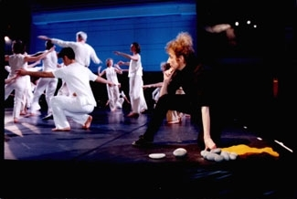 Liz Lerman works with company and community dancers at the Skirball Center in Los Angeles in February 2001. (Dance Exchange)