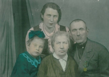 The brother of Morris Greenberg is seen here with his wife, daughter and granddaughter. Sofia Greenberg is hoping her American cousins can identify the people shown. (Courtesy Sofia Greenberg)