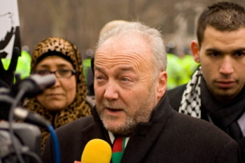 British Parliament member George Galloway, speaking at a pro-Palestinian demonstration in London earlier in 2009, leads the humanitarian aid group Viva Palestina USA, which has been accused of supporting Hamas. (Vince Millett / Creative Commons)