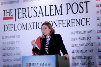 Tzipi Livni, leader of the Hatnua party, speaking at The Jerusalem Post diplomatic conference in Herzliya, Dec. 12, 2012.  (Marc Israel Sellem/FLASH90)