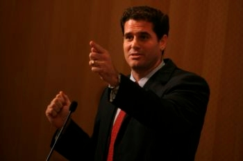 Ron Dermer, the senior adviser to Prime Minister Benjamin Netanyahu, speaking at a convention for Jewish bloggers in Jerusalem, 2009.  (Miriam Alster/Flash90)