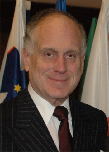 Ronald Lauder, shown in a 2009 photo, is denying accusations that he offered millions of dollars to board members of the the Jewish Community of Vienna in exchange for electing his candidate as president. (Creative Commons)