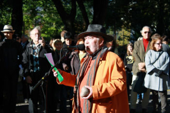 Sam Carlquist speaking at a rally at Stockholm's Raoul Wallenberg Park in solidarity with the Malmo Jewish community, Oct. 7, 2012. (Annika Hernroth-Rothstein)