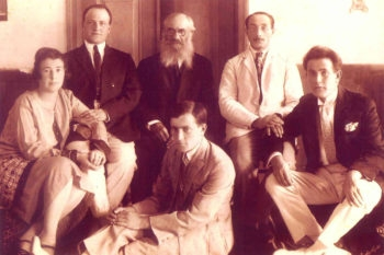 Zecil Gravitz's paternal grandfather, Michael Kopeicka (rear center with beard), poses with relatives.  (Courtesy Of Zecil Gravitz)