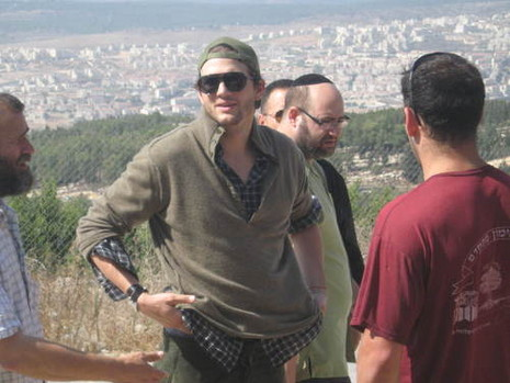 ashton kutcher in israel