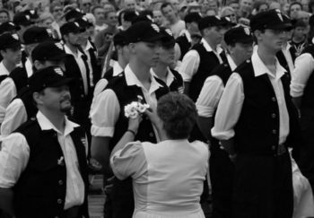 Hungary banned the Hungarian Guard, a paramilitary organization pictured here and affiliated with the far-right Jobbik party, in 2009. (Click-photo/Creative Commons)