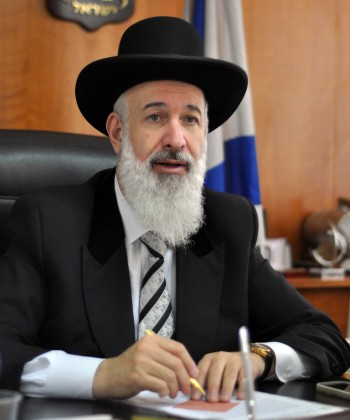 The Chief Ashkenazi Rabbi of Israel Yona Metzger in his Jerusalem office, April  2011.(Yoav Ari Dudkevitch / Flash90)