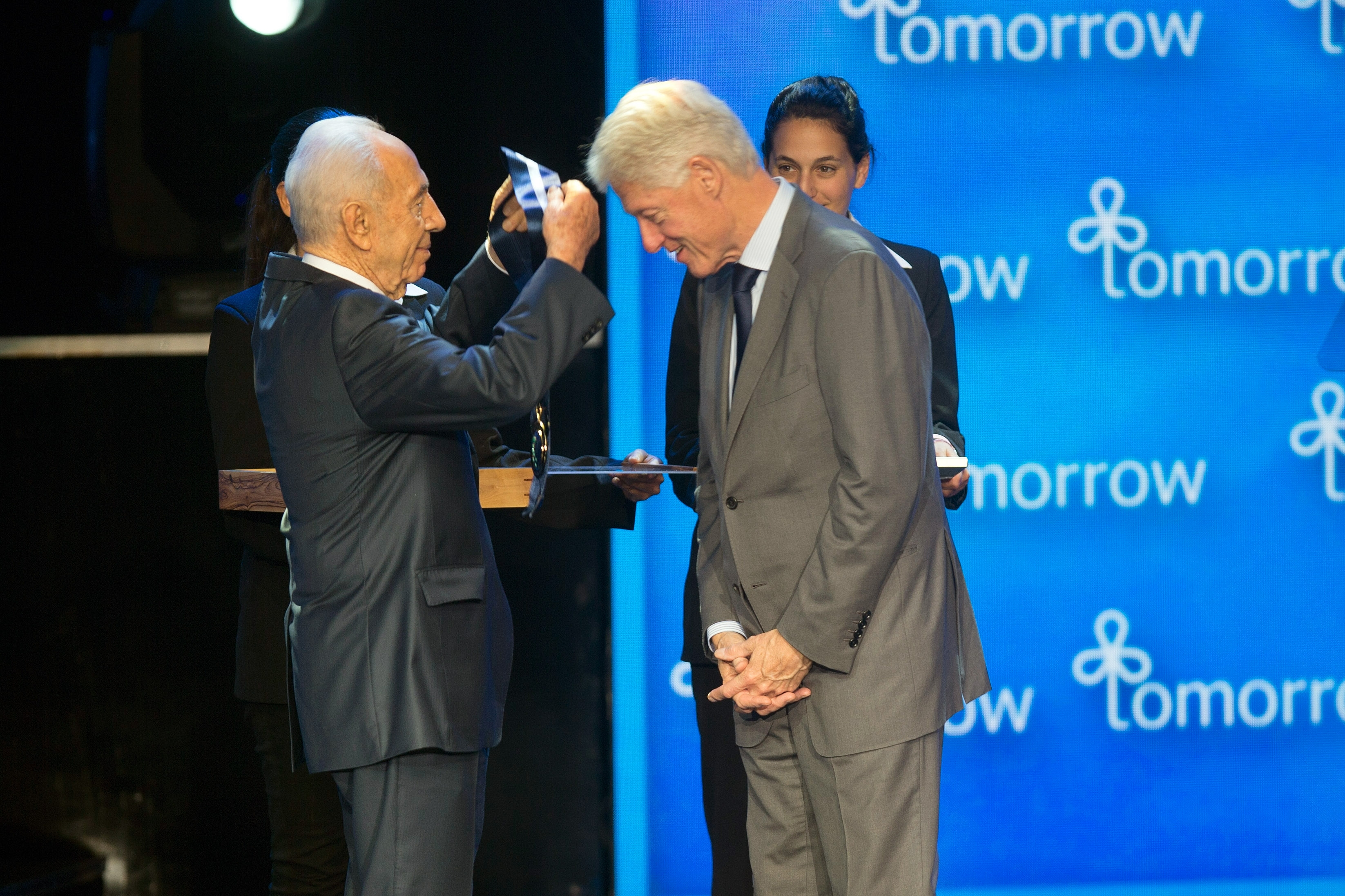 the life of former president bill clinton On tuesday, former president bill clinton became the second us president to visit the grounds of the billy graham library in charlotte, north carolina, where mr graham's body was lying in.