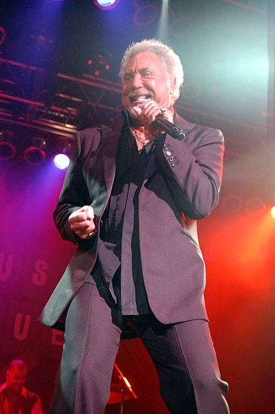 Tom Jones performing at the House Of Blues, Anaheim, Calif., March 2009. )Mykal Burns/Creative Commons)