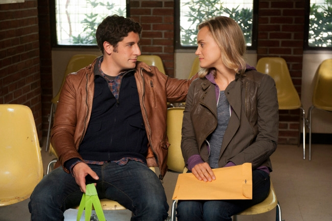 "Jason Biggs and co-star Taylor Schilling in a scene from the Netflix hit ""Orange is the new Black."" (Netflix)"
