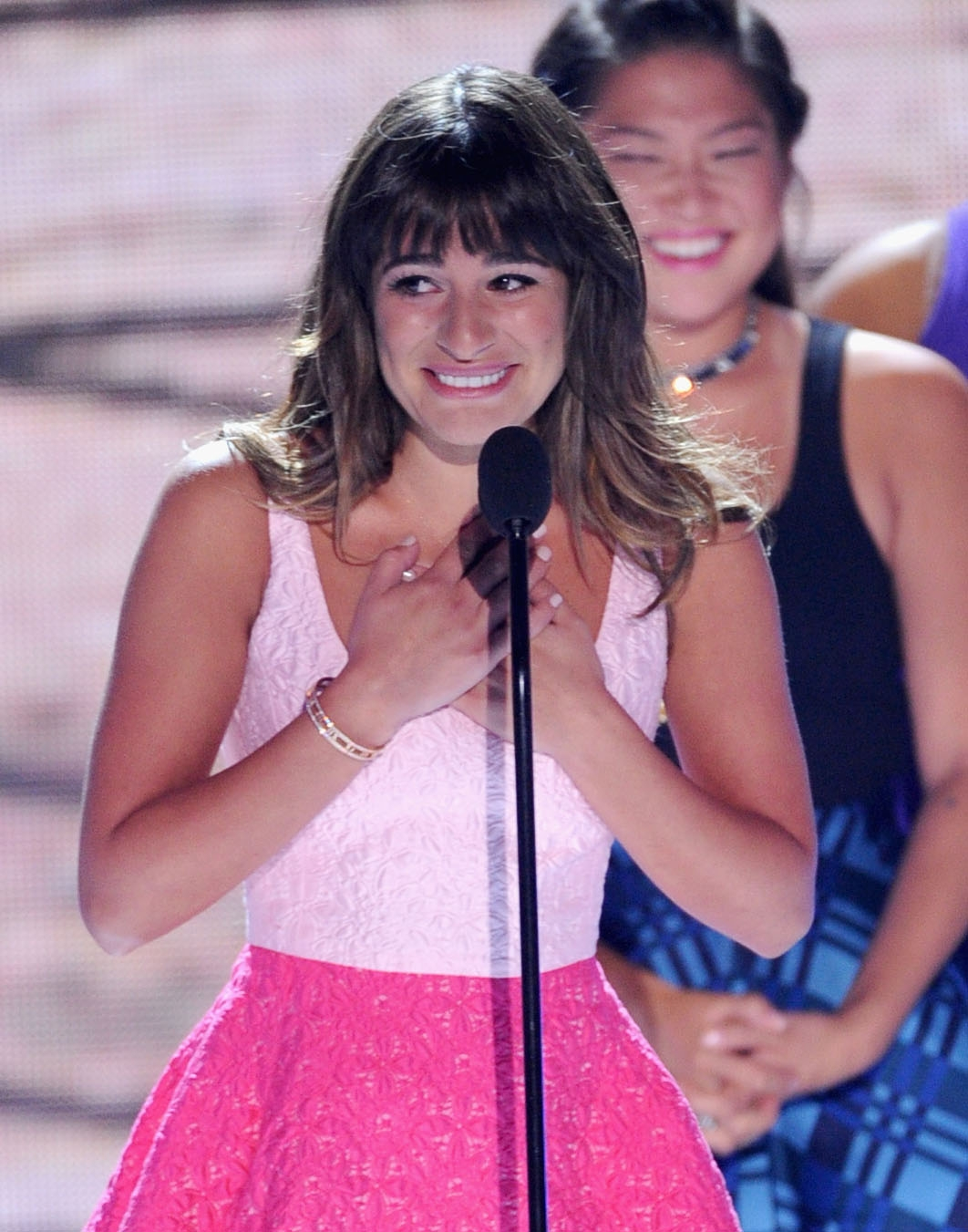 Actress Lea Michele accepting the best Comedy award for 'Glee' during the Teen Choice Awards 2013 in Universal City, Calif., August 11, 2013 (Photo by Kevin Winter/Getty Images)