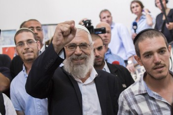 Rabbi Moti Elon arriving t leader Rabbi Moti Elon at the Magistrates Court in Jerusalem, August 7, 2013. (Flash90)
