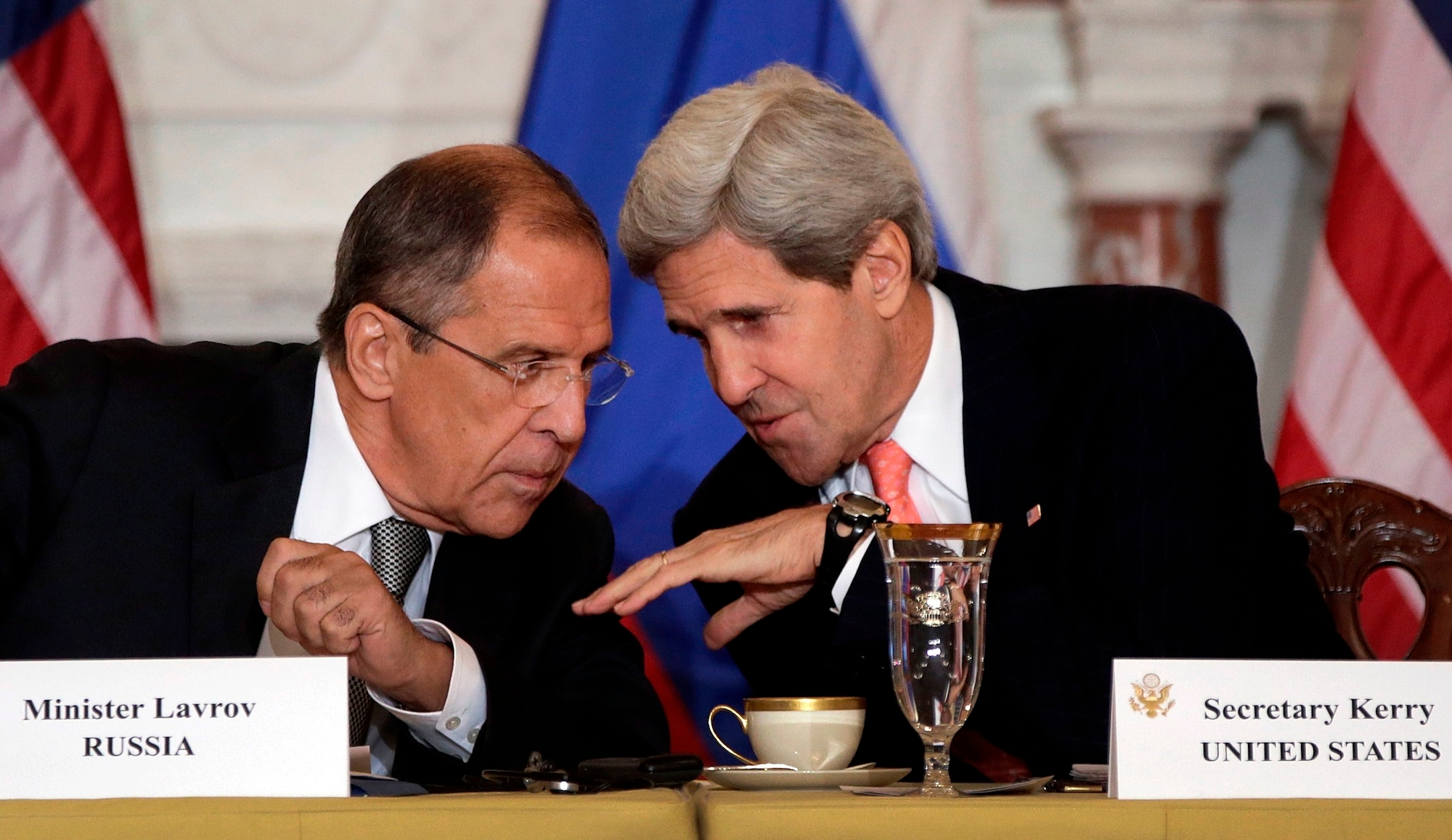 Russian Foreign Minister Sergey Lavrov talks with U.S. Secretary of State John Kerry in Washington, Aug. 9, 2013. (Win McNamee/Getty Images)