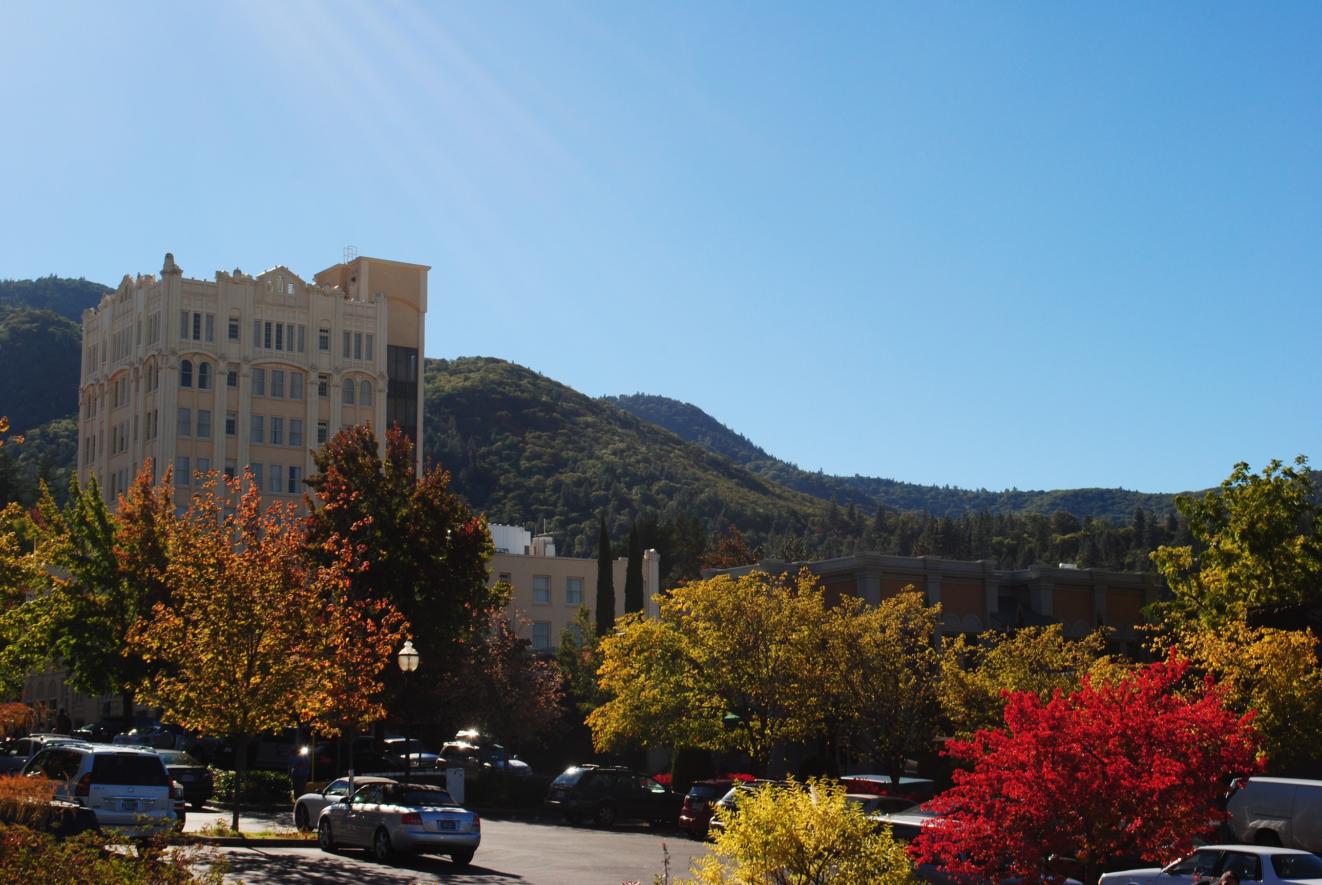 The Ashland Springs Hotel dominates the skyline of downtown Ashland, Ore. (Rebecca Spence)