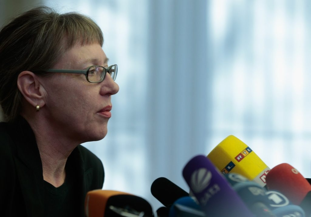Art historian Meike Hoffmann addressing the media about the seizure of paintings from the Munich apartment of Cornelius Gurlitt, Nov. 5, 2013. (Johannes Simon/Getty Images)