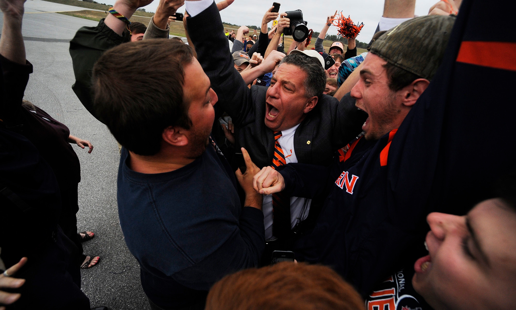 Contrite Bruce Pearl Bringing His Spirited Style To Auburn