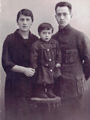 Mendel Eidlitz with his wife, Chasia, and one of their daughters, Sima; all three, along with another daughter, were killed at Ponari, a forest near their native Vilna. (Courtesy Rivka Gurvitz)