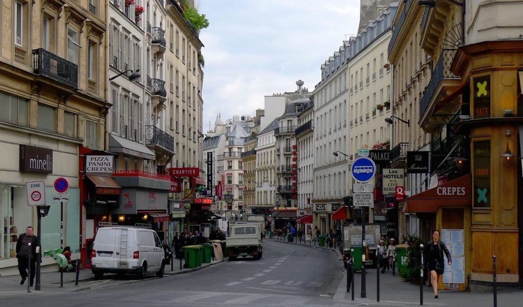 A woman and her child were attacked on May 15, 2014 near this intersection in central Paris. (Wikimedia Commons)