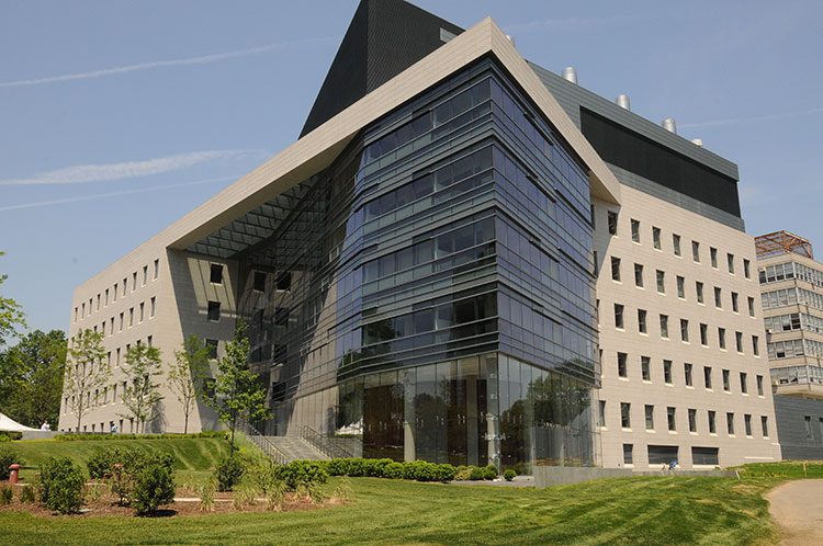One of the buildings on the Bronx campus of Albert Einstein College of Medicine. (Wikimedia Commons)