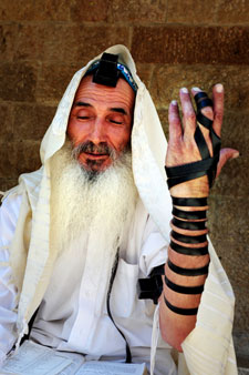 What's In God's Tefillin?