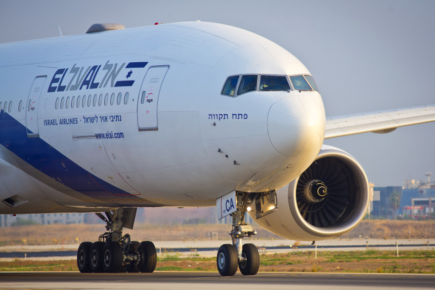 An El Al flight seen at the airstrip at the Ben Gurion International Airport, Aug. 5, 2013. (Moshe Shai/FLASH90)