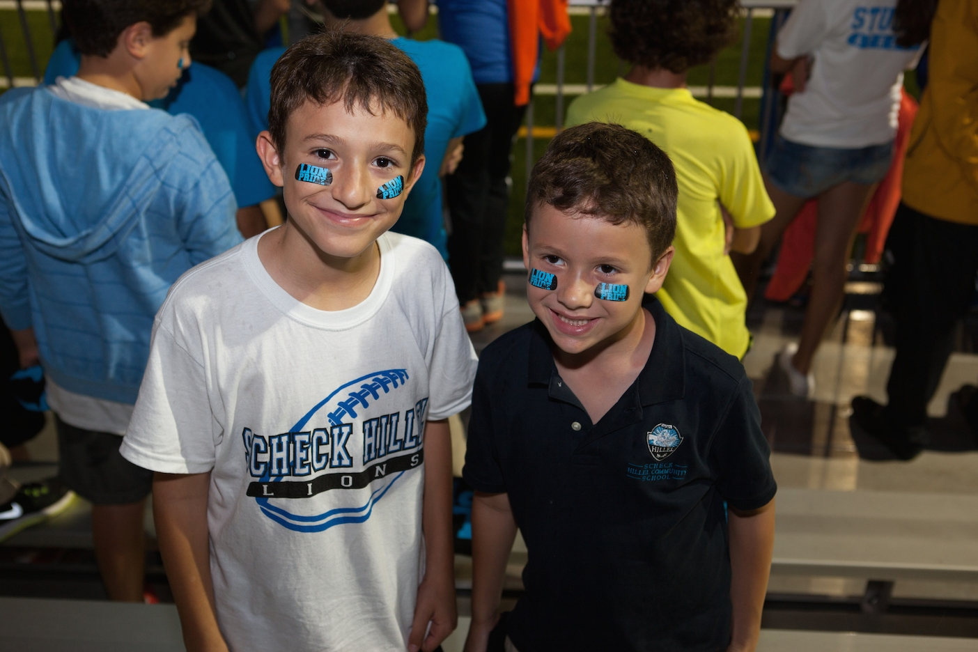 Students at Scheck Hillel Community Day School's homecoming football game, when its new synthetic field made its debut, Oct. 22, 2014. (Courtesy Scheck Hillel)
