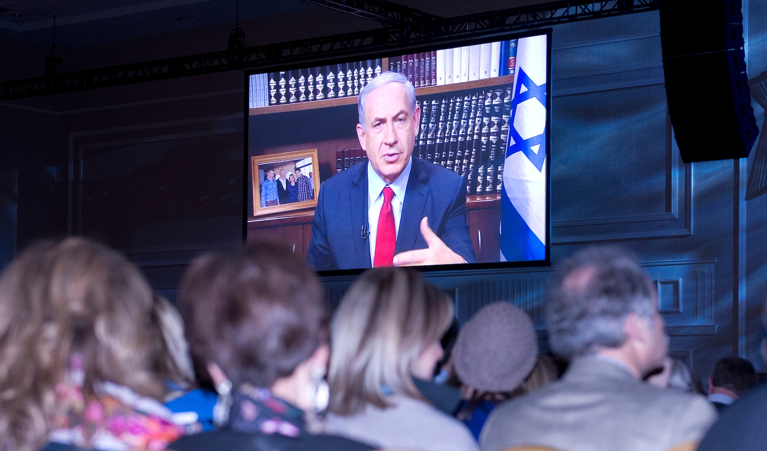 Israeli Prime Minister Benjamin Netanyahu addressing the Jewish Federations of North America's General Assembly in suburban Washington by video link, Nov. 11, 2014. (Ron Sachs)