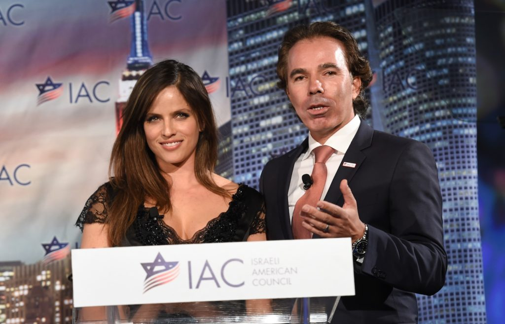 Israeli American Council founder and chairman Shawn Evenhaim and actress Noa Tishby at the council's first national meeting in Washington, Nov. 7, 2014. (Shahar Azran)