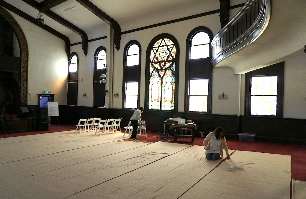 At historic L.A. synagogue, songwriter pushes interfaith harmony ...