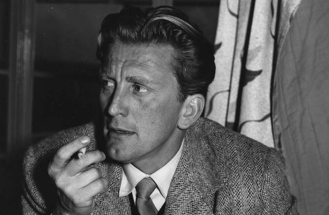 Kirk Douglas in 1952. (Express Newspapers/Getty Images)