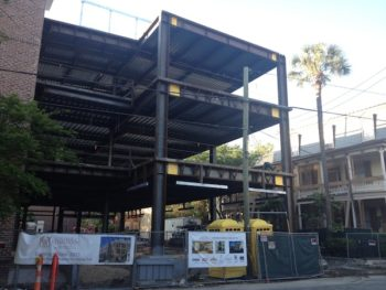 Construction for the expanded Jewish studies center, which will house the new dining hall. (Ruth Ellen Gruber)