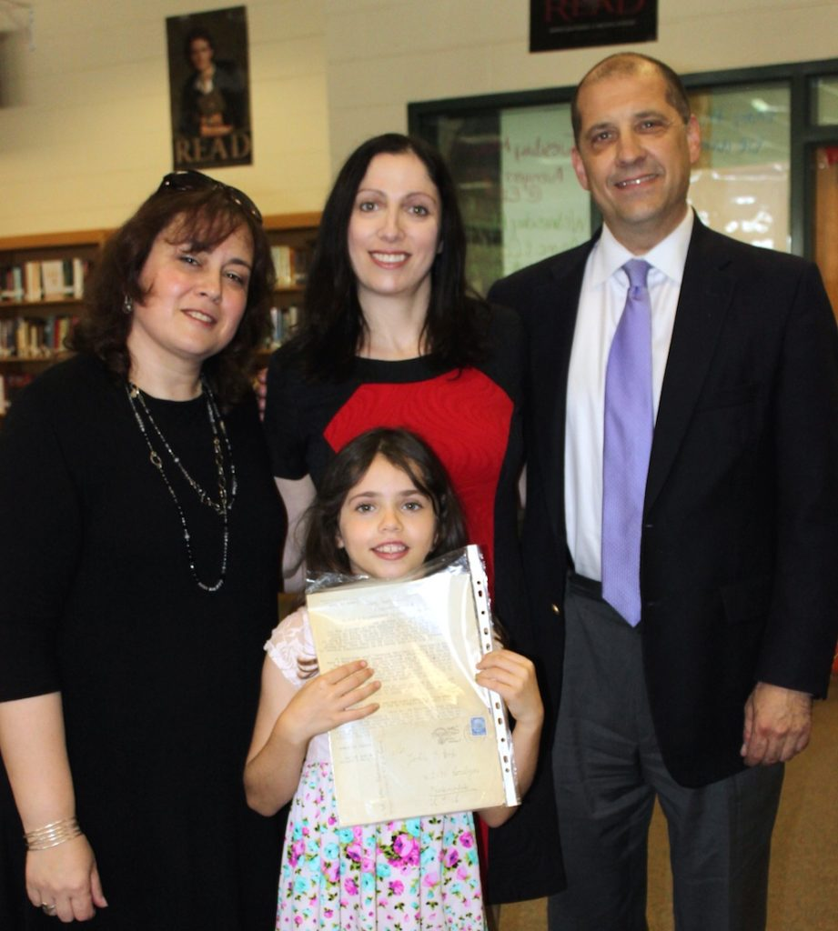 Yad Vashem educator Shani Lourie, left, with Suzanne and Shira Goldberg and Todd Singer, a teacher at East Henderson High School in North Carolina.