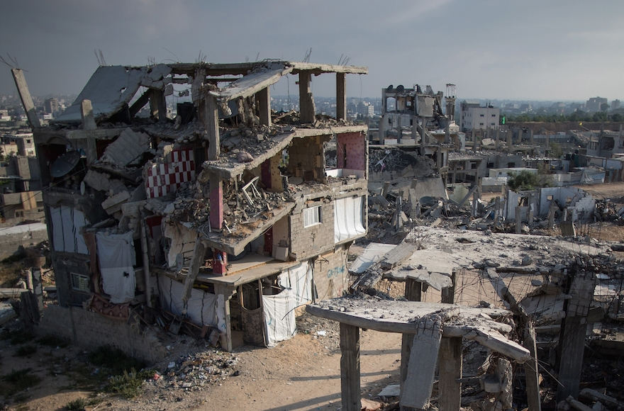 Bomb damaged homes still scar the landscape in Gaza City, June 15, 2015. (Christopher Furlong/Getty Images)