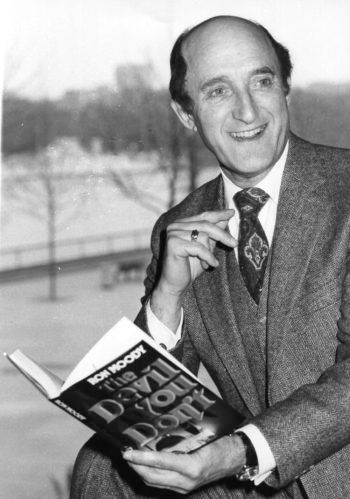 "British actor Ron Moody in April 1980 with his first published novel, ""The Devil You Don't.""(Graham Turner/Keystone/Getty Images)"
