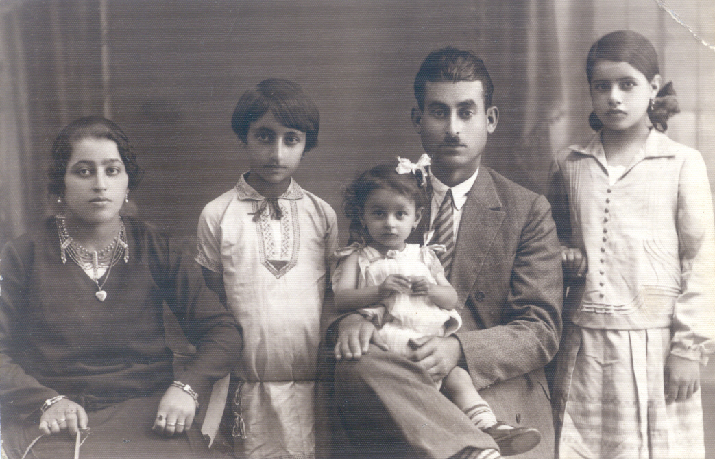 This 1929 photo of the Zacharia family in Tel Aviv launched a search for missing kin from America. (Courtesy of Valerie Chereskin)