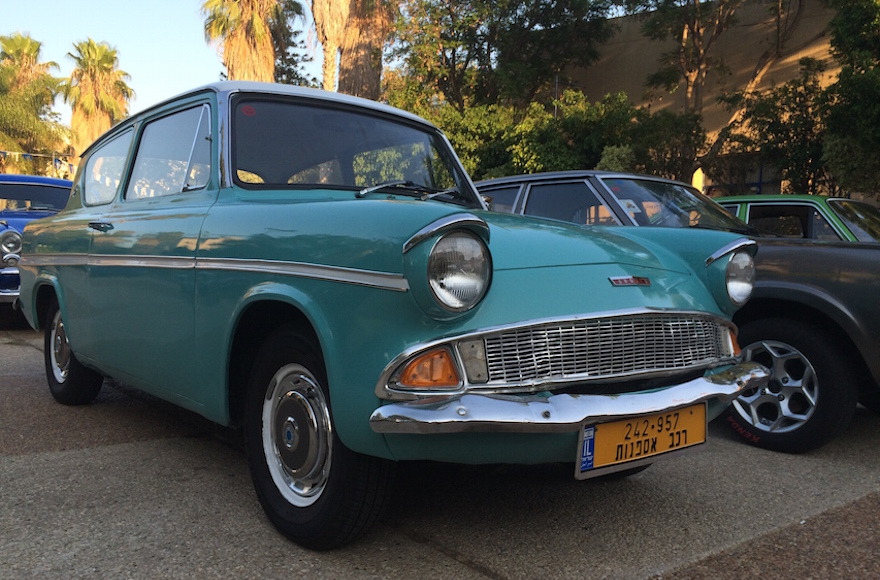 Israel: Where old cars get a second life | Jewish Telegraphic Agency