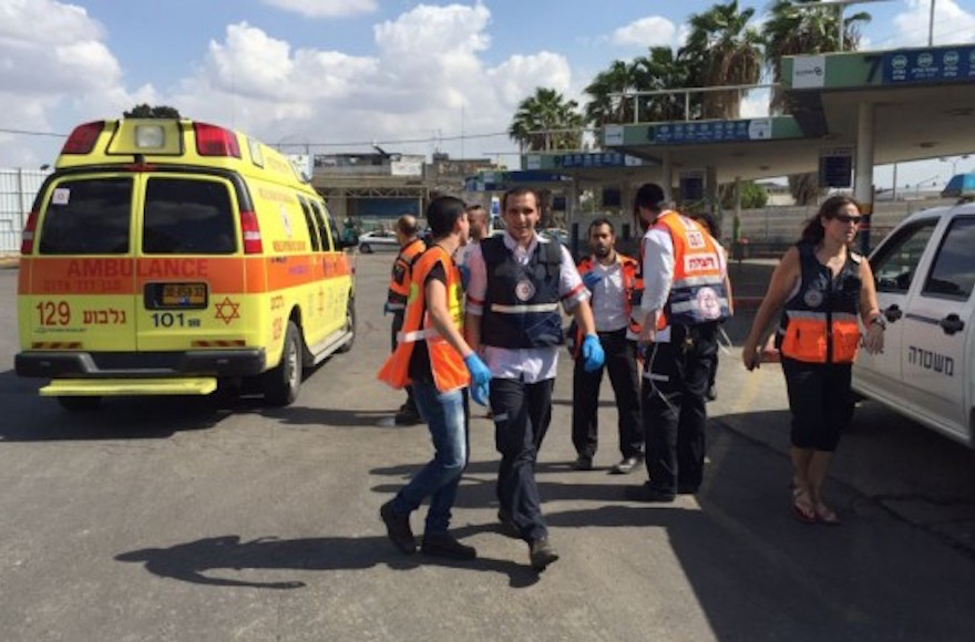 Magen David Adom paramedics arriving at the scene of an attempted stabbing in the Afula bus station, October 9, 2015. (Magen David Adom)
