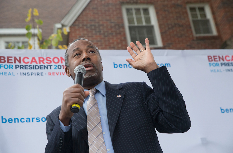 Republican presidential candidate Ben Carson speaking outside the Alpha Gamma Rho house during a campaign stop at Iowa State University in Ames, Iowa, October 24, 2015. (Scott Olson/Getty Images)